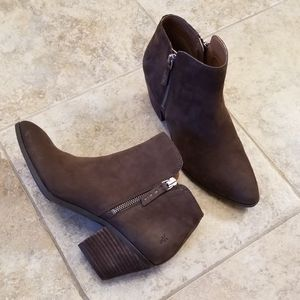 Frye NWOT Never Worn Suede Leather Brown Booties
